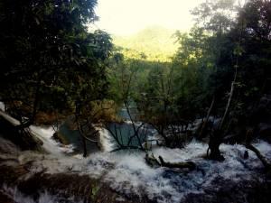 Wodospad Kuang Si widziany z góry