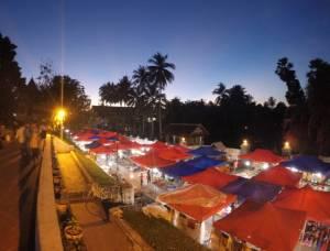 Nocny market w Luang Prabang