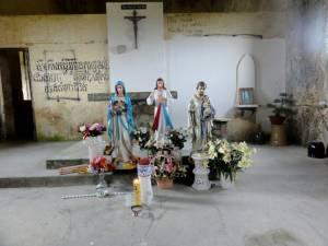 Mroczne wnętrze kościoła