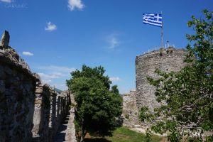Dumnie powiewająca grecka flaga