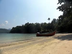 Plaża na wysepce na przeciwko Iboih