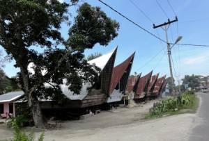 Domki w kształcie łódek