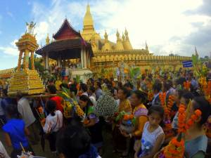 Bukiety z banknotów (festiwal That Luang)