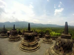 Pięknie położona świątynia Borobudur!