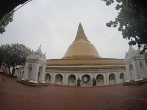 Najwyższa budowla buddyjska na świecie w Nakhon Pathom