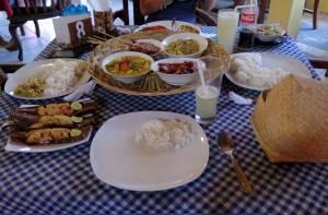 Balijska uczta w restauracji JBS w Lovina