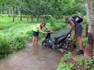 Przeprawa przez rzekę :D