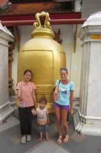 Z Tajkami w świątyni Wat Doi Suthep.