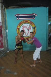 """""""Pion-stk-a"""" ze zwycięzcą w tajskim boksie."""