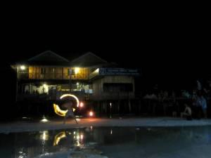 Wieczorne pokazy przy plaży