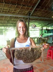Z pszczółkami i plastrem miodu ;)