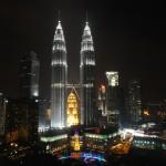 Petronas Towers z baru w Traders Hotel