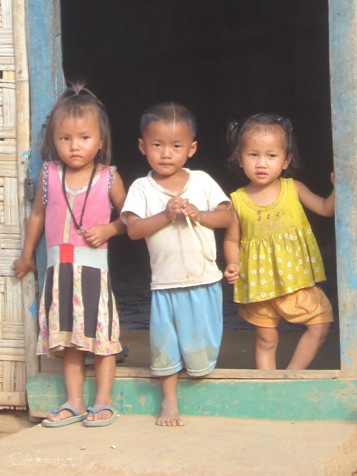 Dzieci z okolic Nong Khiaw