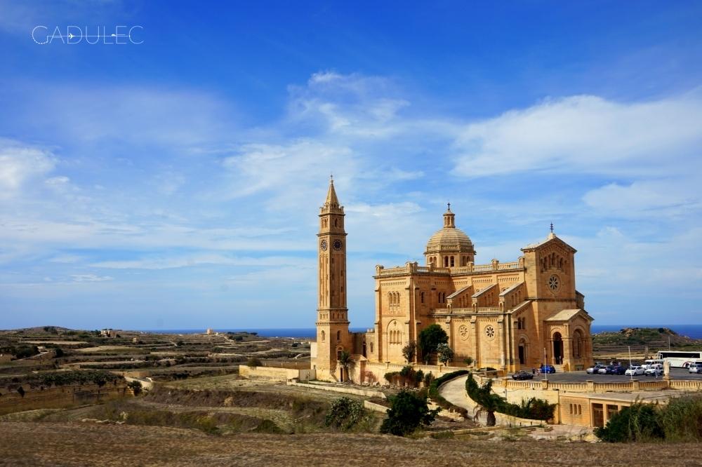Jeden z kilkunastu kościołów na Gozo