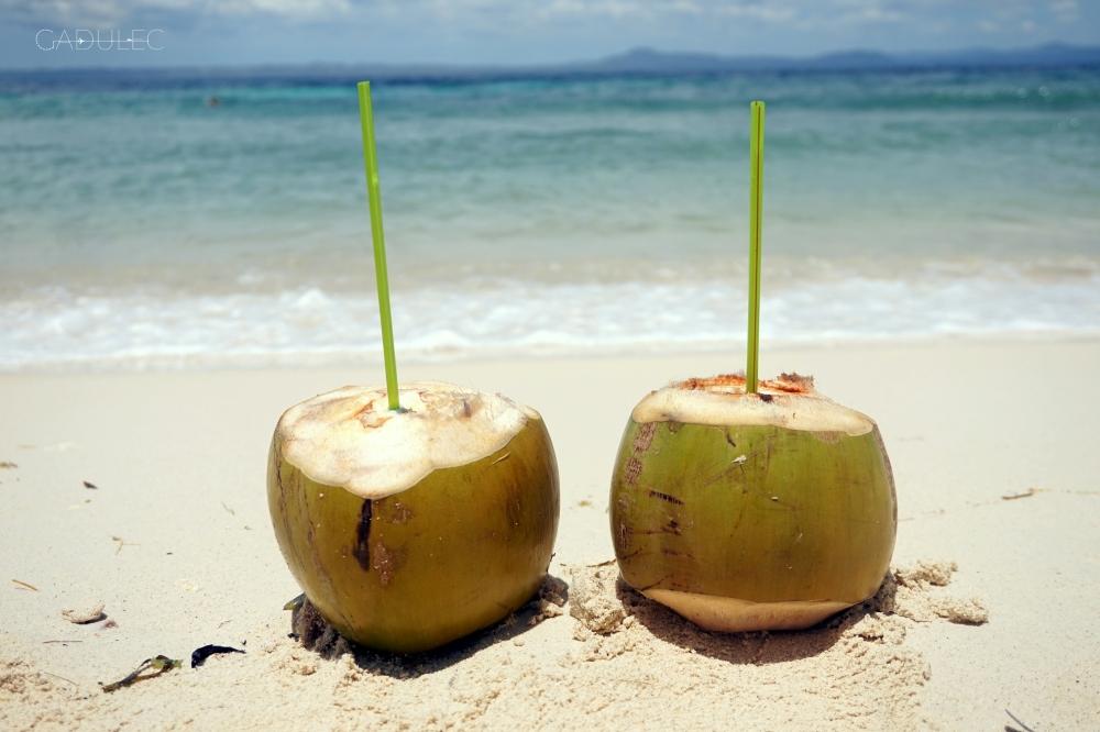 pić wodę kokosową...