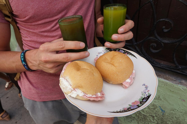 Nasze typowe śniadanie za 14 CUP na 2 osoby (ok. 2 PLN)