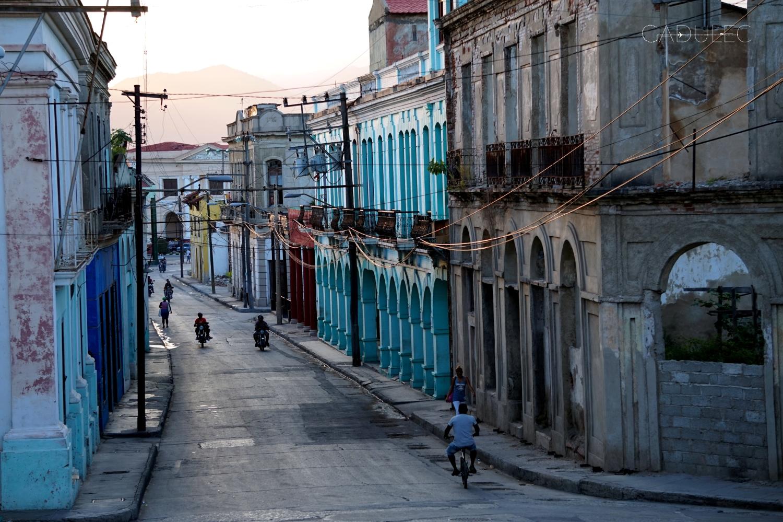 Santiago-de-Cuba-kamienice