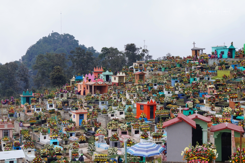 Cmentarz na wzgórzu w Zinacantan