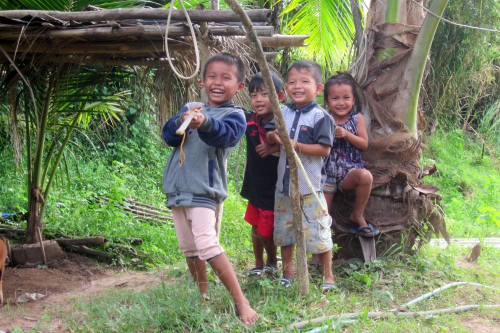 dzieci-laos
