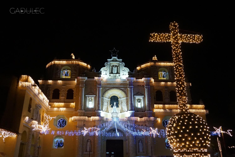 Pięknie przystrojony kościół Iglesia de La Merced
