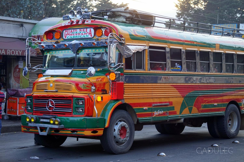 Słynny chickenbus (potoczna nazwa autobusów publicznych w Ameryce Centralnej)!