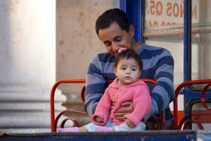 gwatemalczycy-tata-dziecko