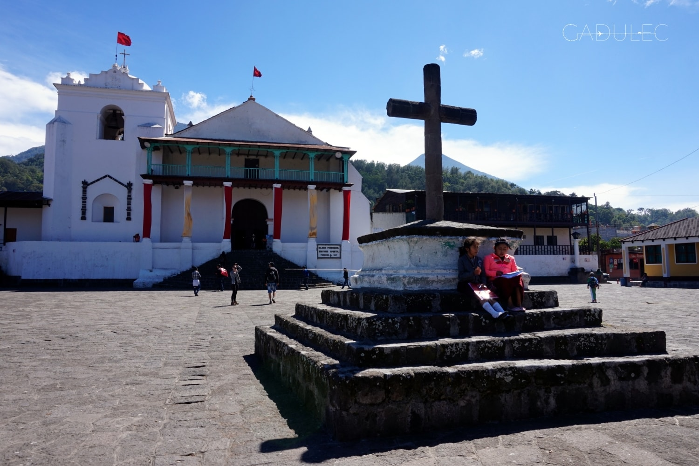 Jezioro-Atitlan-Santiago