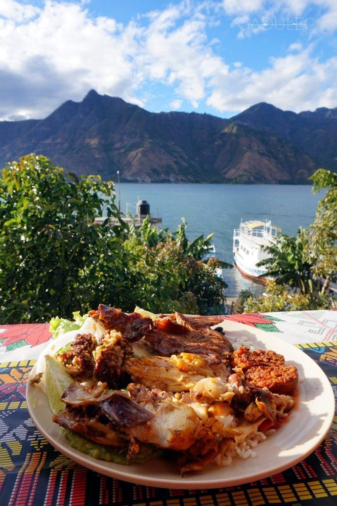 Jezioro-Atitlan-San-Pedro-Gwatemala
