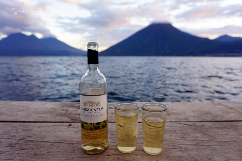 Jezioro-Atitlan-San-Marcos-wino
