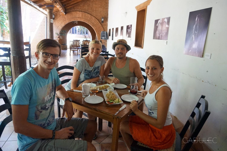 Z Karoliną i Arturem poznanymi w Gwatemali :)