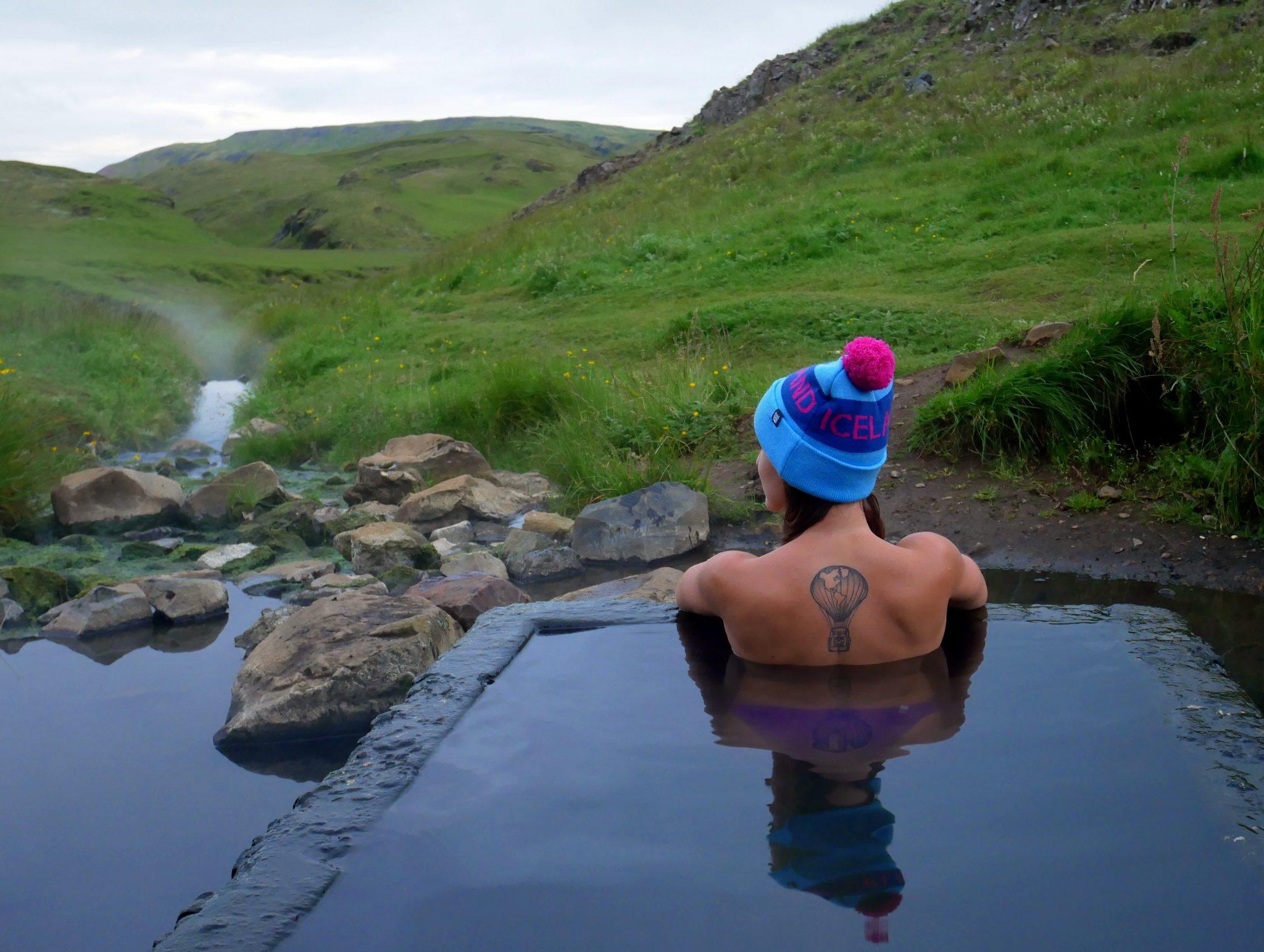 Jedno z wielu islandzkich, gorących źródeł!