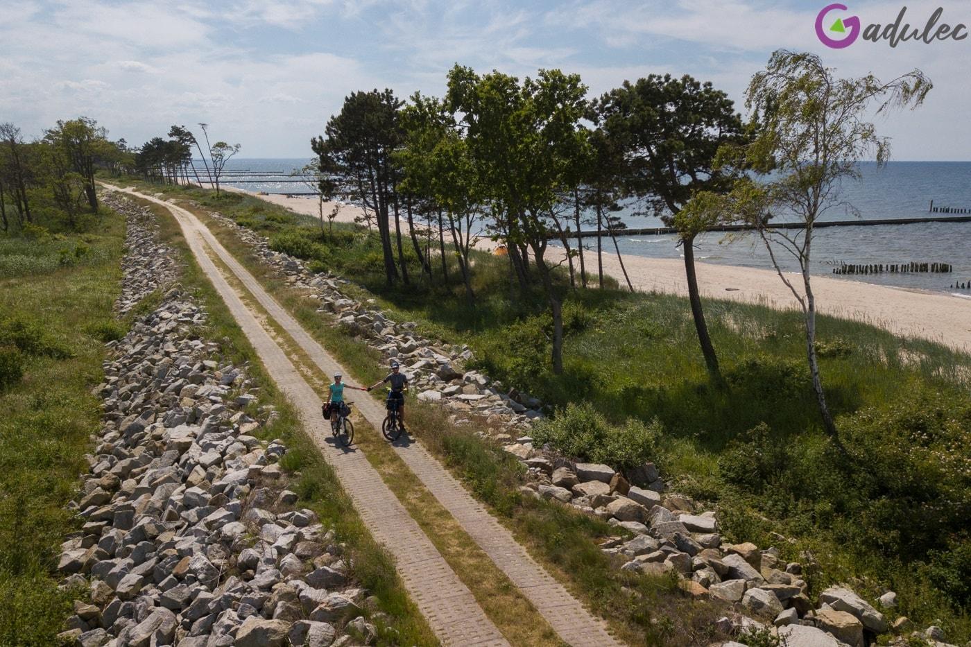 Trasa rowerowa R10 w okolicy jeziora Kopań
