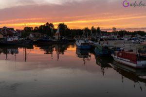 Zachód słońca w Łebie - port