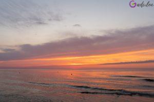 Zachód słońca w Łebie na plaża