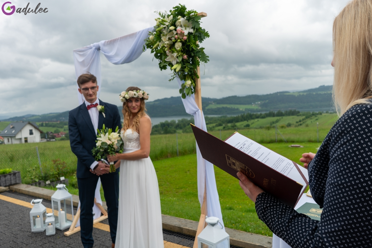 Ślub plenerowy w Maniowach