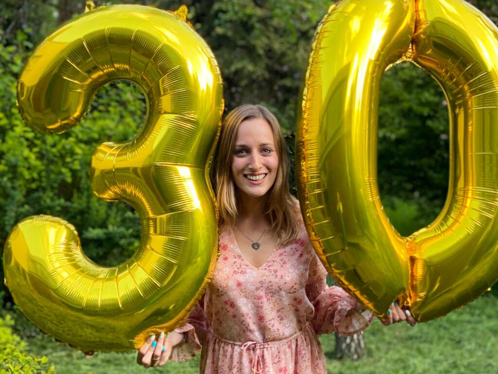 szczęśliwa trzydziestolatka